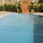Rede de proteção para piscinas.